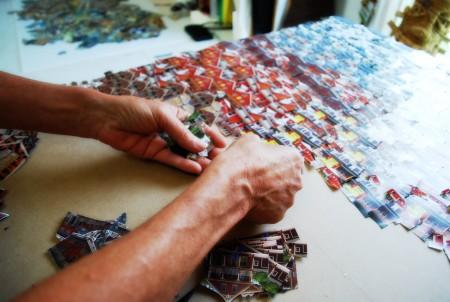 Les collages de Christine Béglet évoquent des villages du futur, des favelas poétiques, des paysages fantasmagoriques...